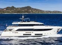 2022 Custom Line Navetta 33