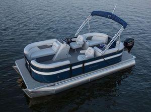 2022 Crest Classic LX SLC 240 Tri toon