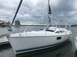 2004 Hunter Passage 420