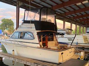 1989 Egg Harbor 33 Convertible Sedan