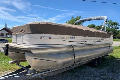 2005 Sun Tracker PARTY BARGE 25 Regency Edition