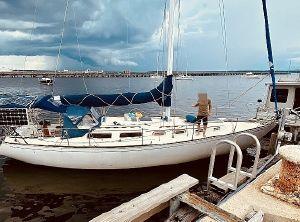 1983 Sabre 38