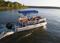 2021 Sun Tracker Party Barge 18 DLX