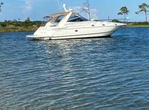 2002 Cruisers Yachts 4270 Express
