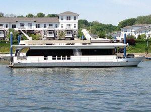 2004 Monticello 70 River Yacht