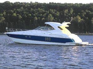 2008 Cruisers Yachts 520 Express