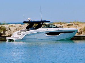 2021 Cruisers Yachts 38GLS