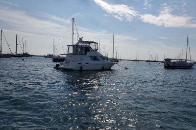 1991 Cruisers Yachts 3850 AFT CABIN