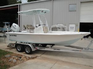 2021 Sea Pro 208 DLX Bay Series