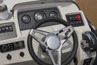 2022 Crest Classic LX 220 SLS