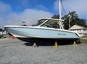 2018 Boston Whaler Vantage 320