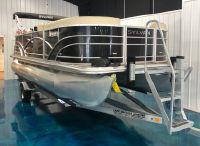 2017 Sylvan Mirage Cruise 8520 Cruise