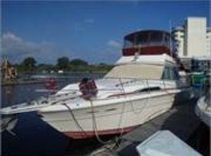 1985 Sea Ray 390 Flybridge Sport Fisherman