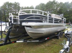 2016 Tracker Sun Tracker Fishin' Barge 21