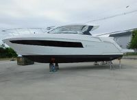 2022 Cruisers Yachts 39 Express Coupe