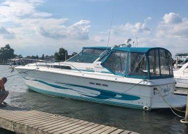 1989 Sea Ray 390 Express Cruiser