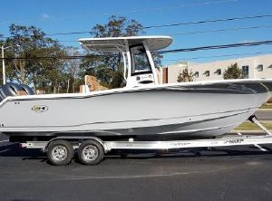2021 Sea Hunt Gamefish 27 Forward Seating