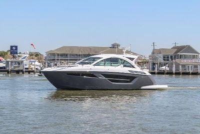 2021 Cruisers Yachts 50 Cantius