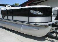 2021 Bentley Pontoons Elite 223 Swingback Full Tube