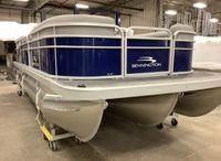 2022 Bennington SV Series 24 SVSR - Radial Cruise