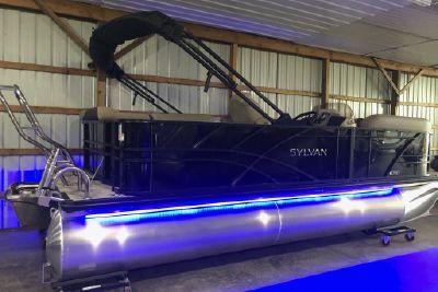 2022 Sylvan 8520 Cruise - In Stock