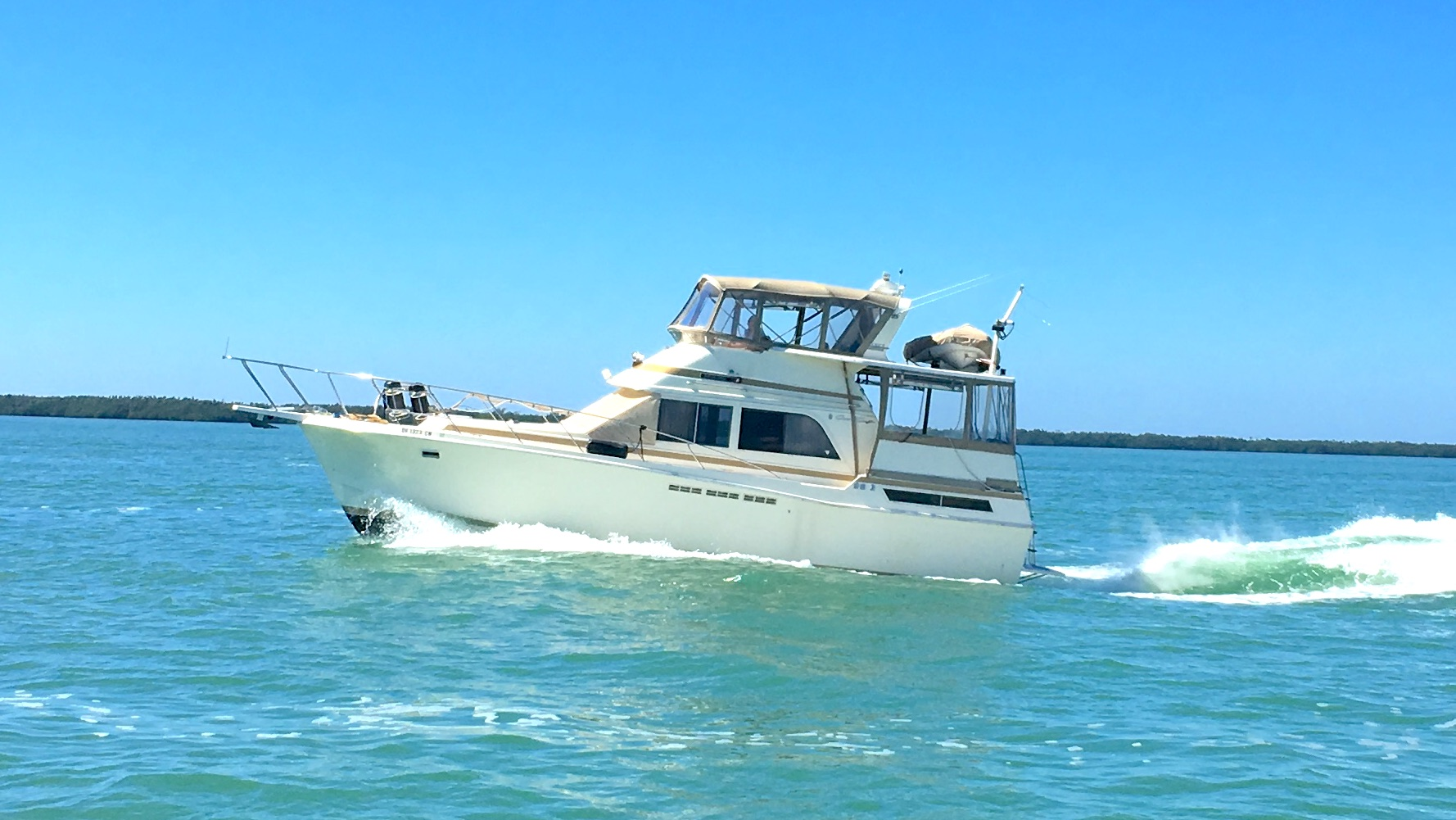 Check out this 1987 CHRIS - CRAFT 426 Catalina on Boattrader com