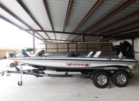2021 Phoenix Bass Boats 819 PRO XP
