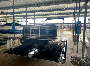 2012 Sun Tracker Party Barge 250 XP3