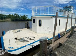 1996 Custom In 2020 Houseboat/Deckhouse on Lakeview Hull