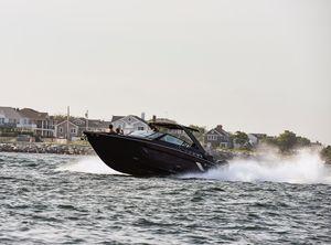 2020 Cruisers Yachts 338 South Beach Edition Bow Rider