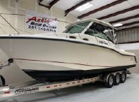 2016 Boston Whaler 315 Conquest Pilothouse