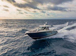2022 Ocean Alexander 45 Divergence - Diving