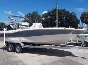 2022 NauticStar Boats 211 Hybrid