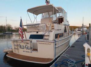 1985 Tollycraft trawler