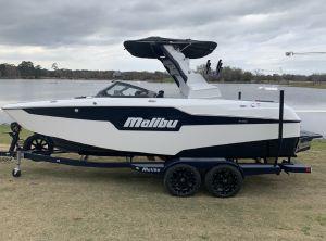 2021 Malibu M220