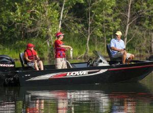 2018 Lowe Fishing Machine 165
