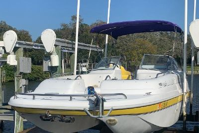 2004 Splendor 240 Platinum bow rider