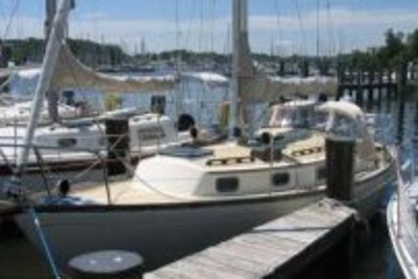 Used 1983 Sea Sprite 30, 11771 Oyster Bay - Boat TraderBoat Trader
