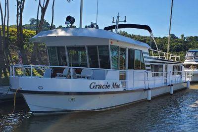 1971 Tucker Cruiser Yacht Houseboat