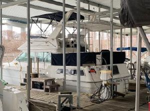 1986 Sea Ray Aft Cabin Motor Yacht