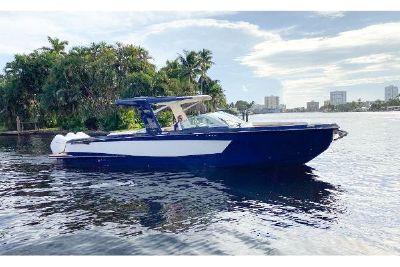 2022 Aviara AV36 Outboard