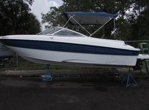 2005 Bayliner 220