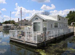 2007 Harbor Cottage Floating Home