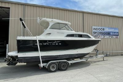 2011 Bayliner DISCOVERY 266 HARD TOP
