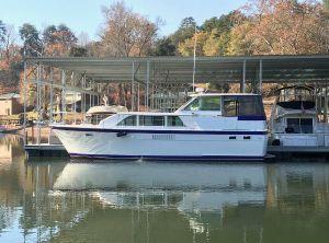 1973 Hatteras 43 Double Cabin Motoryacht