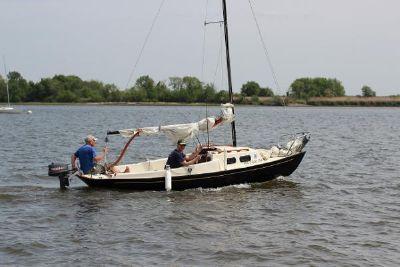 1981 Sailboat Victoria 18
