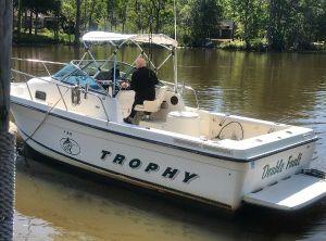 2000 Trophy 2352 Walkaround