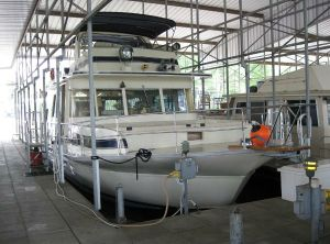 1976 Pluckebaum MODEL 65 COASTAL YACHT HOUSEBOAT