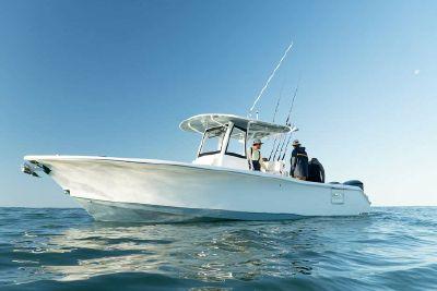 2021 Sea Hunt Gamefish 30 Coffin Box