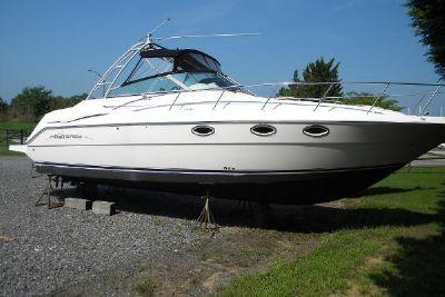 2000 Monterey 322 Express Cruiser
